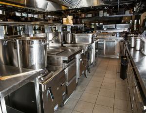 Installation de cuisine professionnelle en inox à Monaco